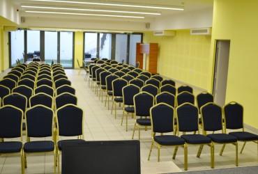 konferenciaterem2-370×250